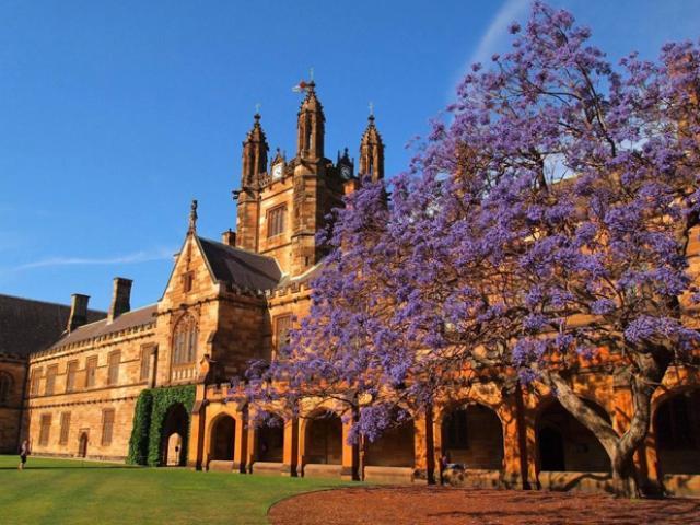 Vẻ đẹp choáng ngợp của trường ĐH lâu đời nhất nước Úc