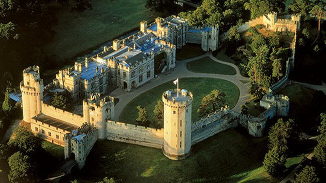 Ám ảnh với 10 lâu đài ma ám đáng sợ nhất châu Âu - 7