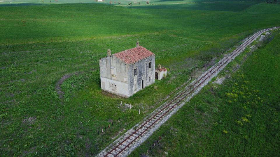 Ý: Biếu không 100 tòa lâu đài, biệt thự cho ai cần - 2