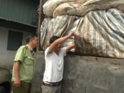 Thị trường - Tiêu dùng - Phát hiện 50 tấn đường lậu ngụy trang phế liệu