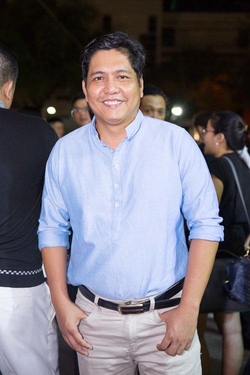 Johnny Trí Nguyễn cưỡi mô tô gần nửa tỉ đi xem phim sau tai nạn - 9