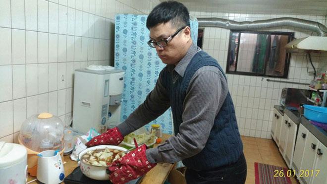 """9x Việt nói về mối tình hạnh phúc với """"ông xã"""" Đài Loan U50 - 5"""