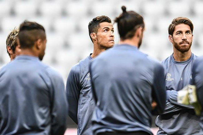 "Real Madrid sắp vô địch La Liga: Zidane vẫn ""trảm"" 6 SAO - 1"