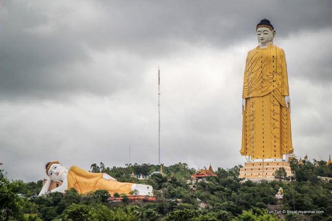 Tượng Phật Laykyun Sekkya, Myanmar: Với chiều cao 116m, bức tượng Phật Laykyun là bức tượng cao thứ hai trên thế giới. Ngay dưới chân bức tượng hùng vĩ này là tượng Phật Monywa nằm ngang lớn nhất thế giới.