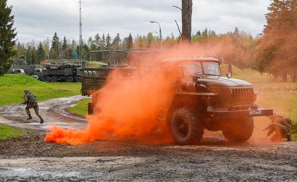 Nga báo động trung đoàn tên lửa S-400 bảo vệ Moscow 2