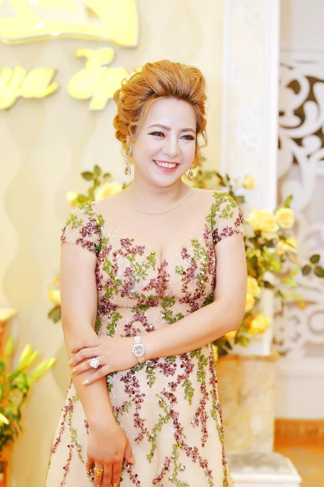 Doanh nhân Phạm Ngọc Phượng xinh đẹp tại lễ khai trương spa danh tiếng - 2