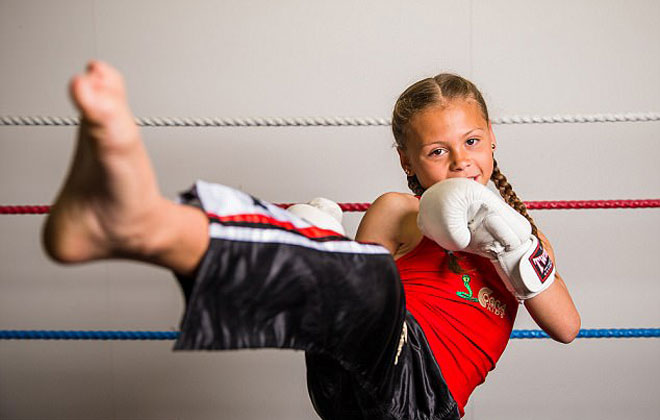 """""""Nữ hoàng UFC"""" tương lai: 10 tuổi giữ 12 đai vô địch - 3"""