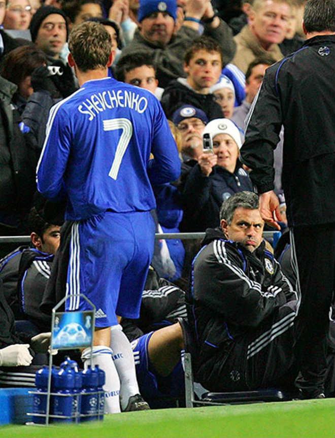 """James đến MU: Mourinho """"bật"""" sếp, ghế nóng nguy hiểm - 2"""