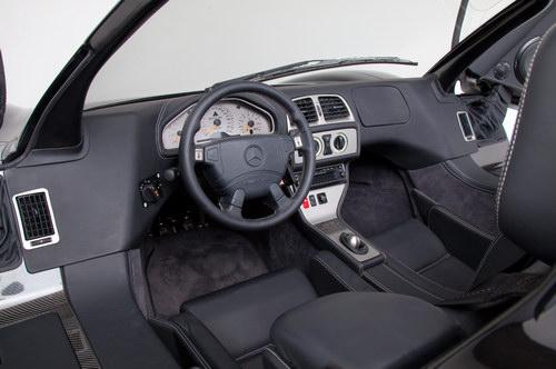 """""""Đồ cổ"""" Mercedes CLK-GTR có giá tận 61 tỷ đồng - 4"""