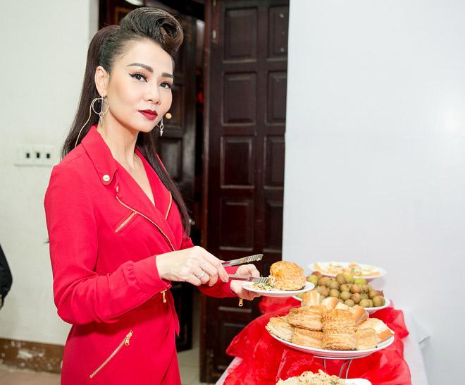 Bạn gái xinh đẹp cổ vũ Hoài Lâm hát Chung kết The Voice - 6