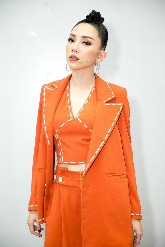 Bạn gái xinh đẹp cổ vũ Hoài Lâm hát Chung kết The Voice - 7