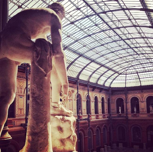 1. Đại học École Nationale Supérieure des Beaux-Arts là trường đào tạo mỹ thuật hàng đầu tại Pháp. Trong khuôn viên trường là nơi lưu giữ nhiều bộ sưu tập nghệ thuật, tổ chức nhiều sự kiện văn hóa nổi tiếng.