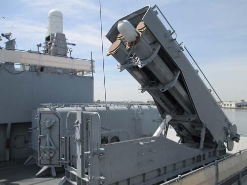 Mỹ hồi sinh siêu thiết giáp hạm đối phó Nga-Trung Quốc? - 4