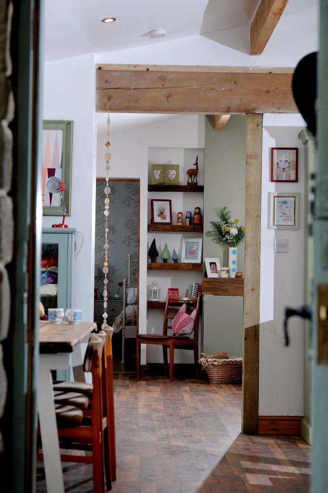 Cô gái biến gara dột nát của bố mẹ thành căn hộ trong mơ - 7