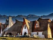 Du lịch - Độc đáo lâu đài khách sạn làm từ đất sét và rơm
