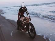 """Thế giới xe - Ngắm """"khúc gỗ di động"""" đặc biệt trên bãi biển"""