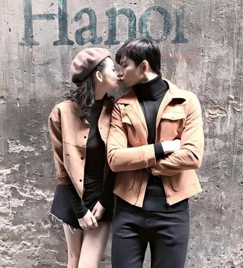 """Trương Quỳnh Anh - Tim """"mặc chung"""" áo, thân mật trên phố - 4"""