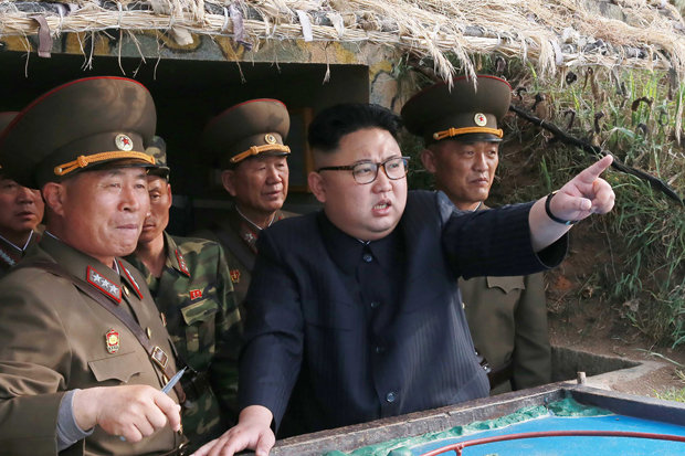 """Kim Jong-un lệnh sẵn sàng bất cứ khi nào Mỹ """"dội bão lửa"""" - 2"""