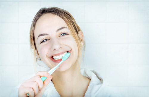 Những tuyệt chiêu hiệu quả giúp răng hết ê buốt - 1