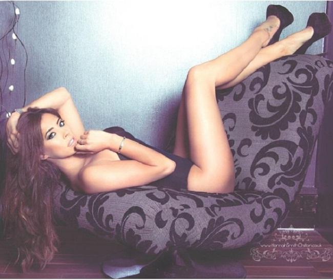 """Người mẫu Anh được biết đến là cựu Wag nóng bỏng của bóng đá quốc gia. Cô từng có thời gian qua lại với chân sút  """" hư hỏng """"  & nbsp;Ashley Cole của Chelsea sau thời gian anh chàng ly dị vợ vì thói trăng hoa."""