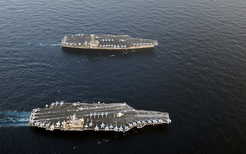 """Mỹ """"siết"""" Triều Tiên bằng hai đội tàu sân bay hạt nhân - 1"""