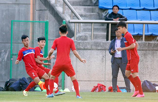 Hot boy U20 VN khiến HLV Hoàng Anh Tuấn âu lo - 3