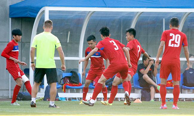 Hot boy U20 VN khiến HLV Hoàng Anh Tuấn âu lo - 4