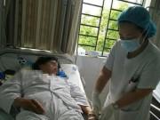 Sức khỏe đời sống - Nín thở ca phẫu thuật kéo dài 8 tiếng cho bệnh nhân có HIV