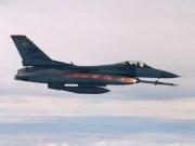 Thế giới - Chiến đấu cơ Mỹ bất ngờ dội bom đoàn xe quân đội Syria