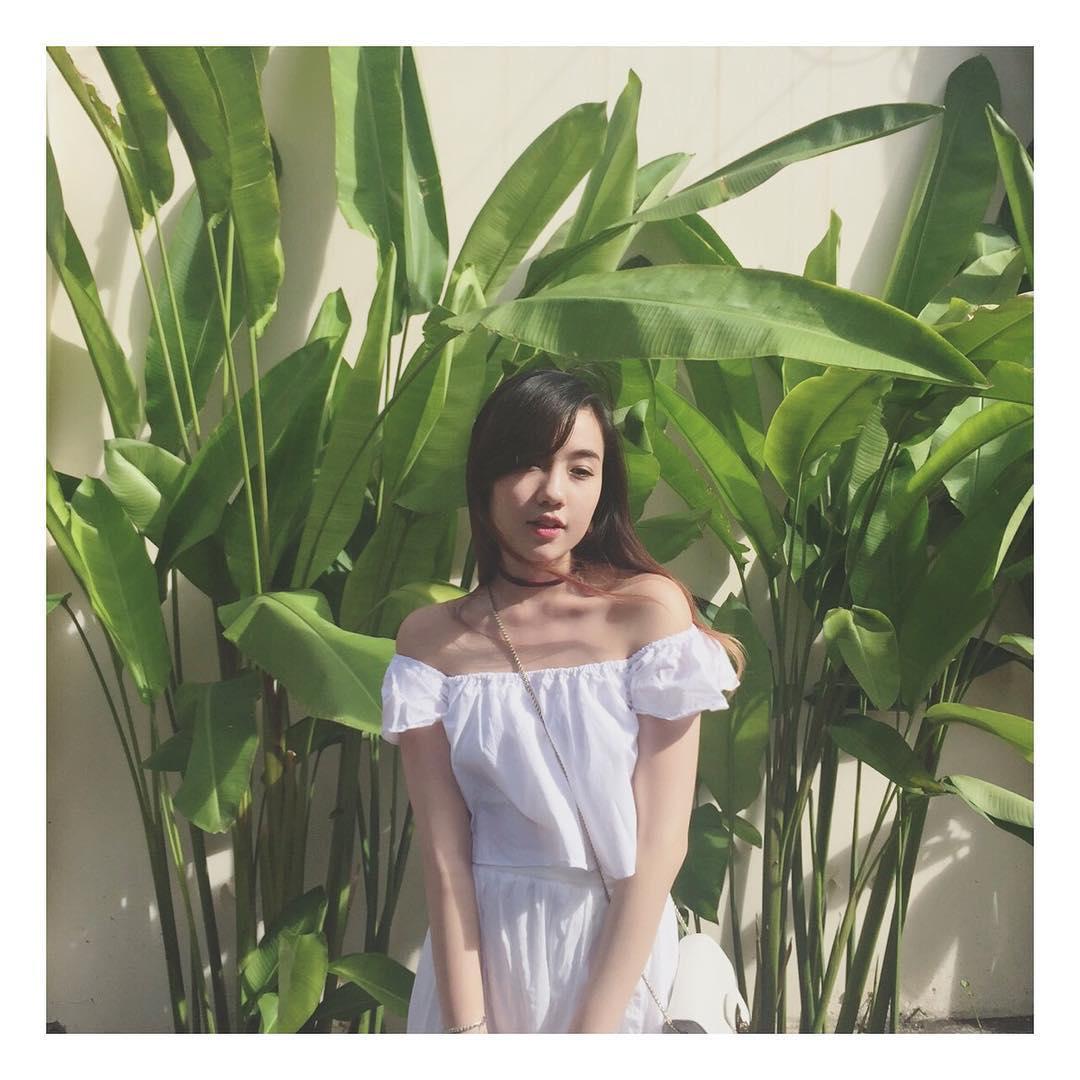 Chia tay người yêu, hot girl Mie luôn mặc áo trễ nải ra đường - 7