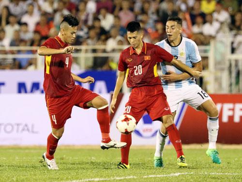 U20 Việt Nam: Tiền vệ lùn, hàng thủ cao - 1