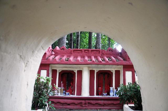 Giải mã ngôi mộ cổ ai đi vào cũng phải cúi mình ở Sài Gòn - 4