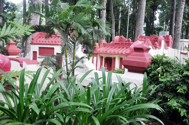 Giải mã ngôi mộ cổ ai đi vào cũng phải cúi mình ở Sài Gòn - 12