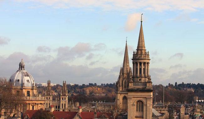 Đại học Oxford nhìn từ tháp Carfax