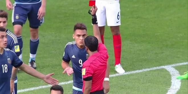 U20 World Cup: SAO 62 tỷ Argentina giở thói côn đồ nhận kết đắng - 1