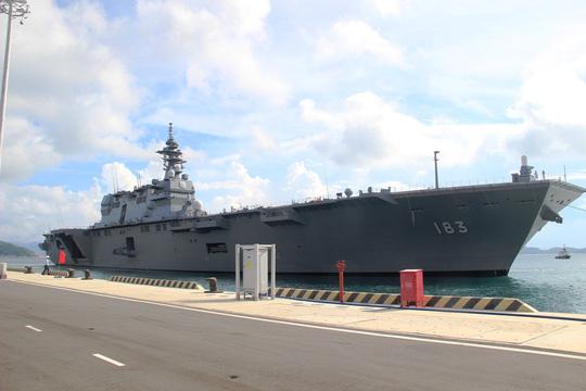 Cận cảnh tàu hải quân Nhật, Mỹ thăm Cam Ranh - 1