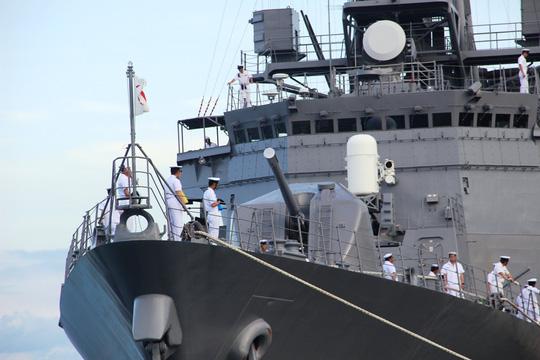 Cận cảnh tàu hải quân Nhật, Mỹ thăm Cam Ranh - 8