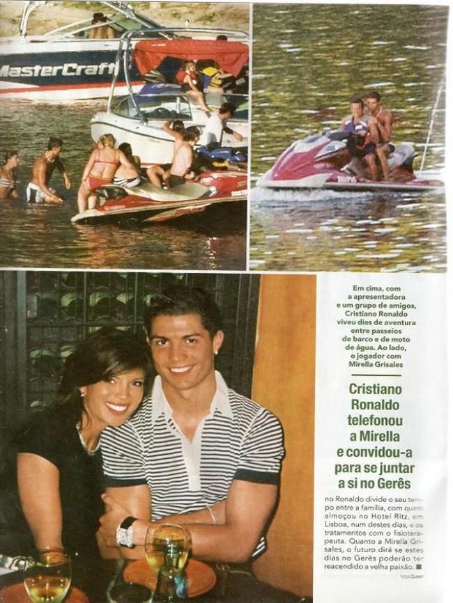"""Ronaldo nổi tiếng là chân sút đào hoa. Anh từng bị báo chí nhắc đến chuyện tình  """" một đêm """"  với MC & nbsp;Mirella Grisales. Theo cánh báo chí địa phương, Ronaldo còn nghịch bikini của chân dài Colombia khi cả hai gặp nhau trên bãi biển Bồ Đào Nha."""