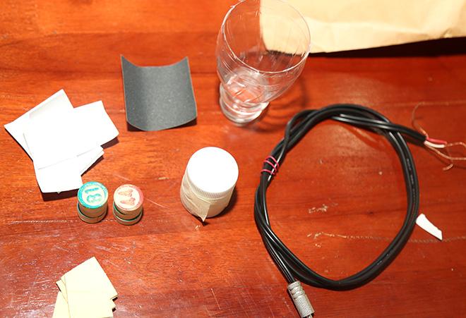 Hướng dẫn làm tai nghe từ những vật liệu tái chế - 1