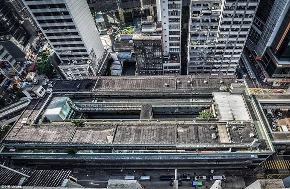 """""""Khu chợ ma"""" hoang tàn ở thành phố đắt đỏ nhất thế giới - 1"""