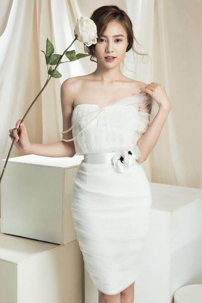 Nữ diễn viên sinh năm 1990 ngày càng xinh đẹp, gu ăn mặc cũng sành điệu và đẹp mắt hơn hẳn