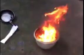 Nước giếng múc lên đốt cháy ngùn ngụt - 2