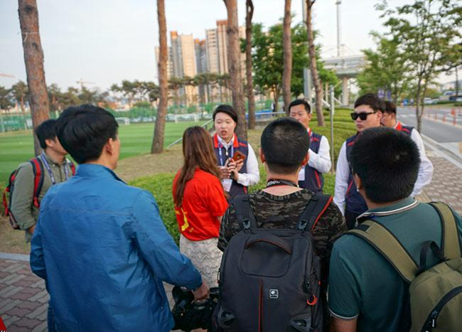 U20 Việt Nam được bảo vệ như siêu VIP ở World Cup - 8