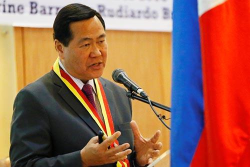 Thẩm phán Philippines muốn kiện TQ vì đe dọa chiến tranh - 2