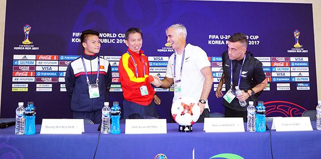 """U20 Việt Nam được HLV trưởng U20 New Zealand đưa """"lên mây"""" - 2"""