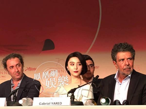 Rúc váy, giả danh... chuyện bên lề chỉ có ở Liên hoan phim Cannes - 1