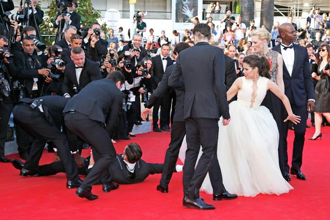 Rúc váy, giả danh... chuyện bên lề chỉ có ở Liên hoan phim Cannes - 6
