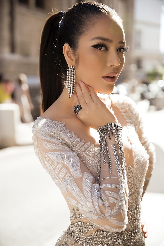 Lý Nhã Kỳ đẹp như nữ hoàng Ai Cập trên thảm đỏ Cannes - 5