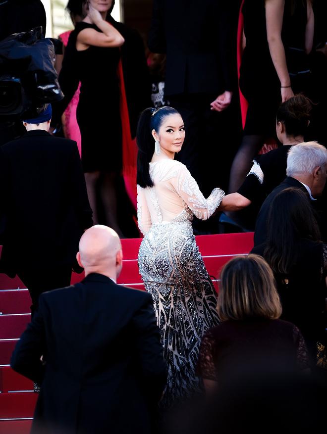 Lý Nhã Kỳ đẹp như nữ hoàng Ai Cập trên thảm đỏ Cannes - 7