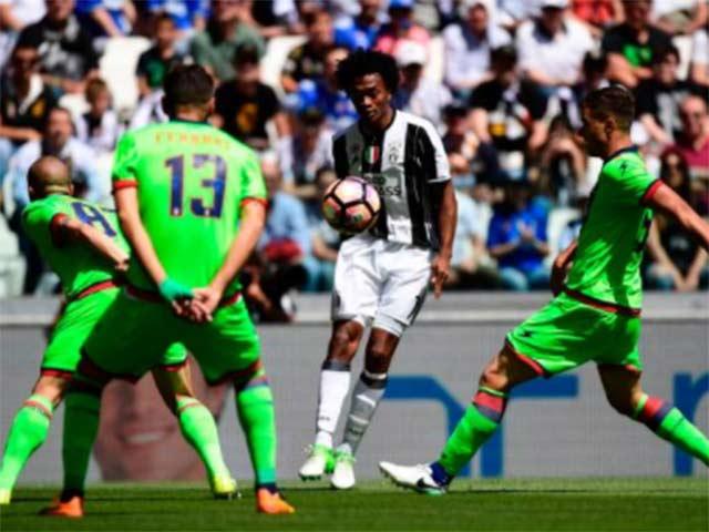 AC Milan - Bologna: San Siro mở hội trong hiệp 2 - 2